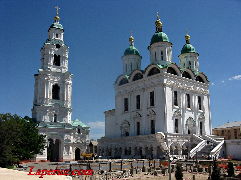 Astrakhan_troitskiy_sobor_kremlya