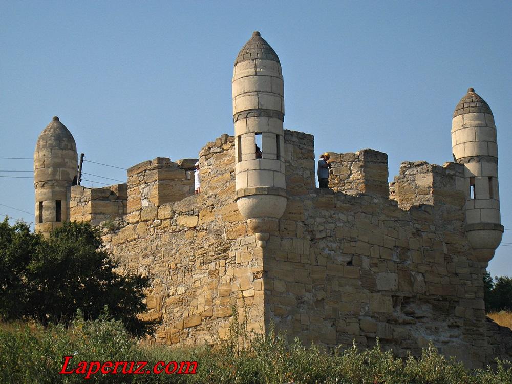 krepost Enikale v Krymu