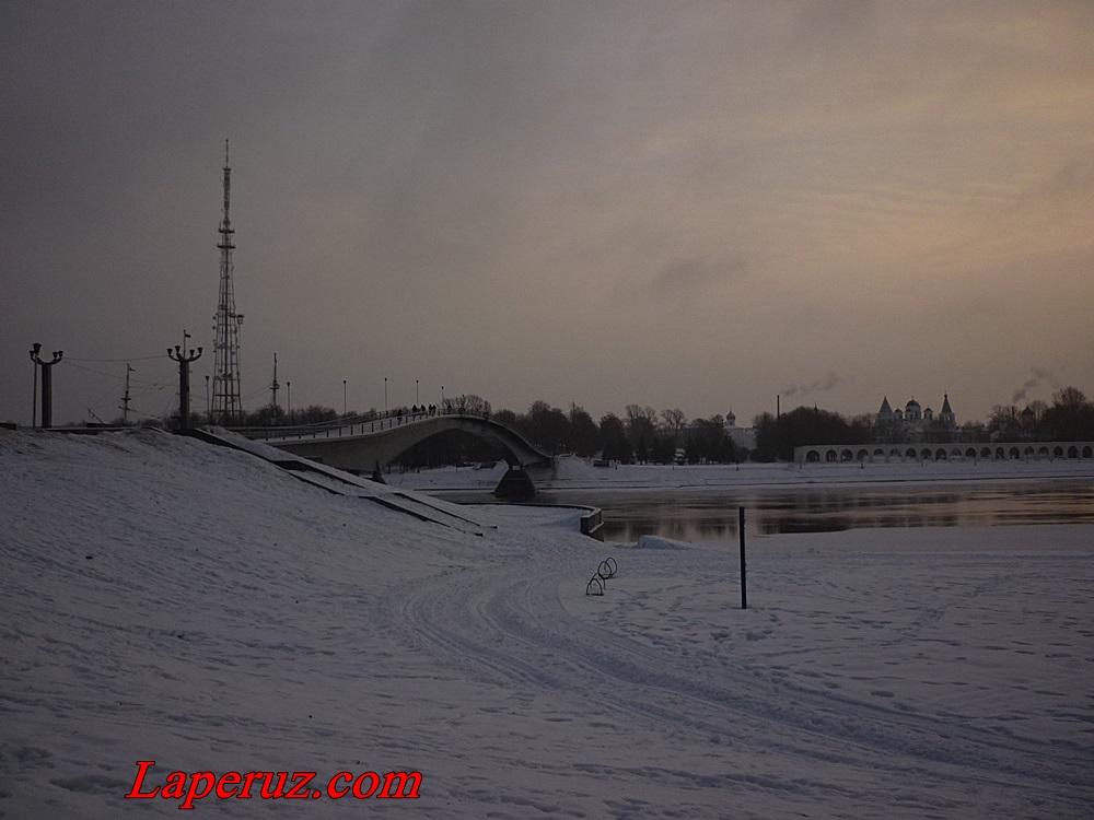 novgorod_vid_na_most