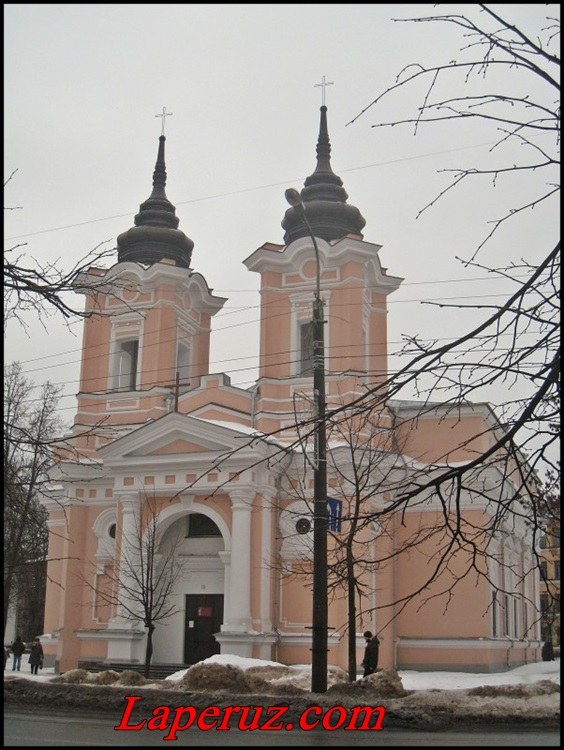 katolicheskiy kostel v velikom novgorode