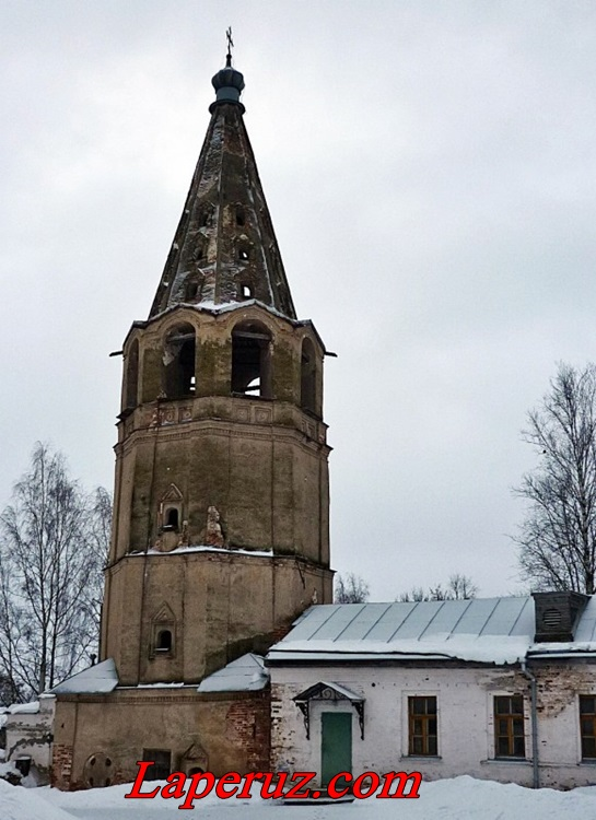 колокольня Знаменского монастыря