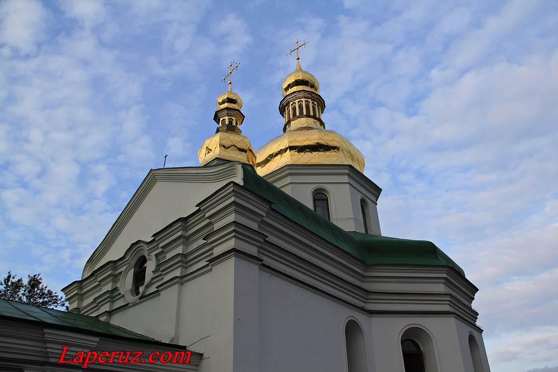 lavra-krestovozdvizhenskaya cerkov