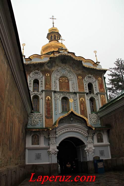 lavra - glavnyi vhod