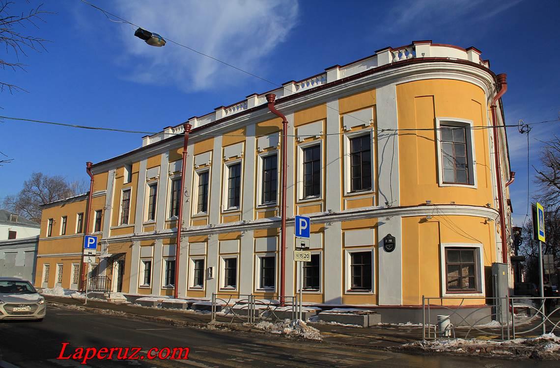 kazan - glavnyi dom urvancovyh