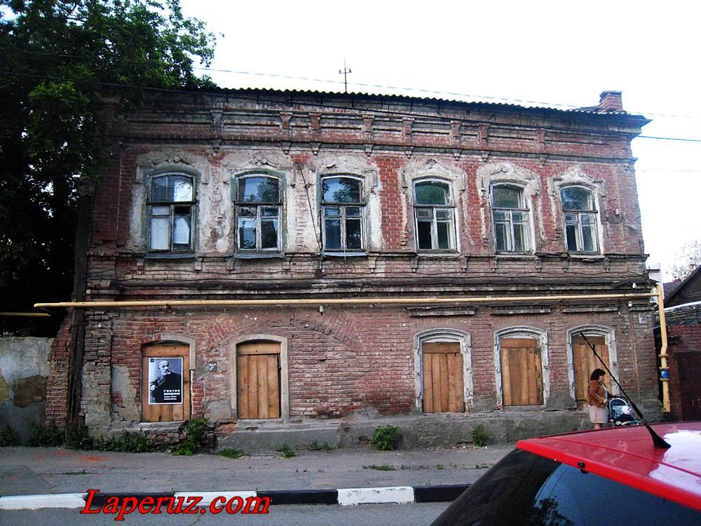 dom_barakki_v_saratove