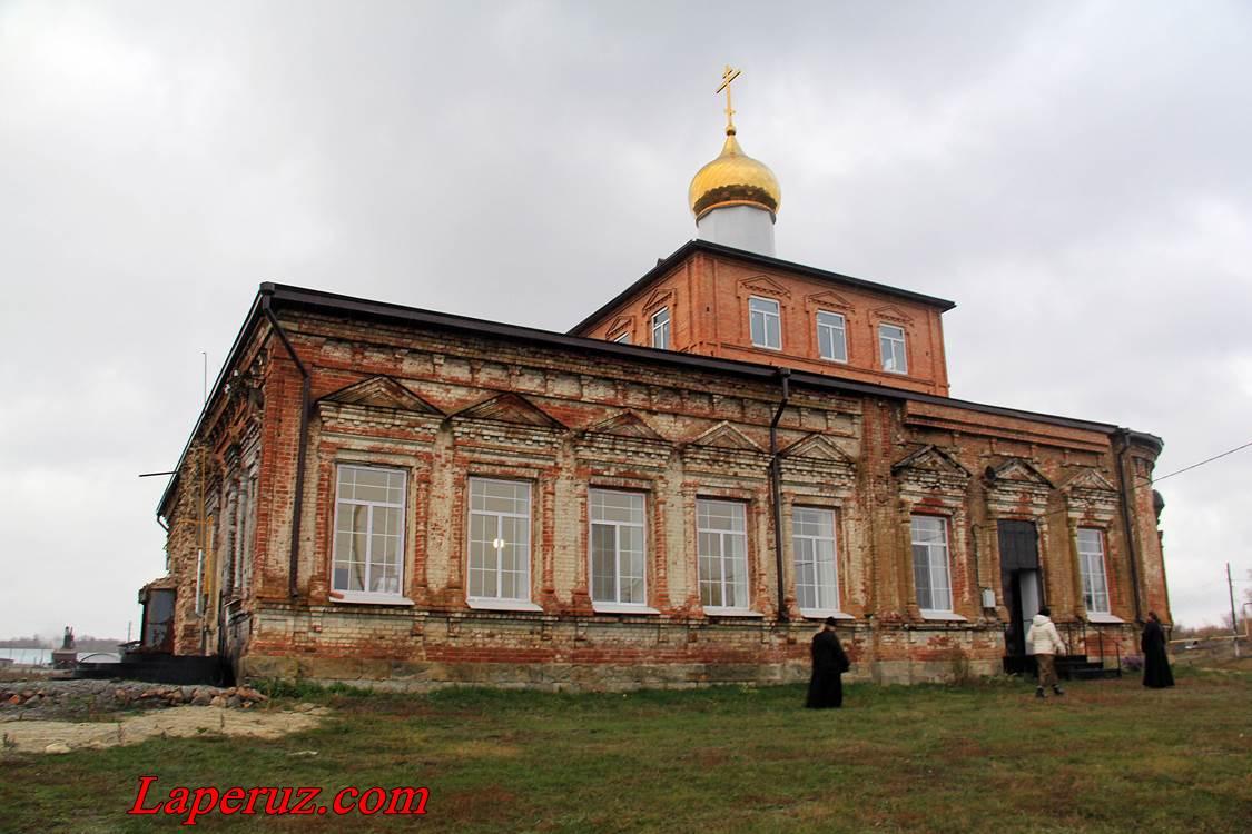 cerkov-v-slastuhe-1