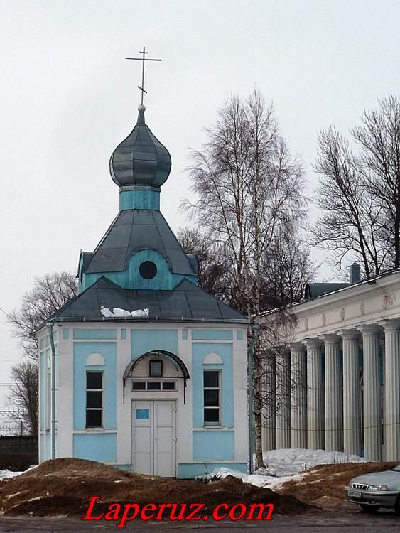 chasovnya-nikolaya-chudotvorca-v-staroi-russe