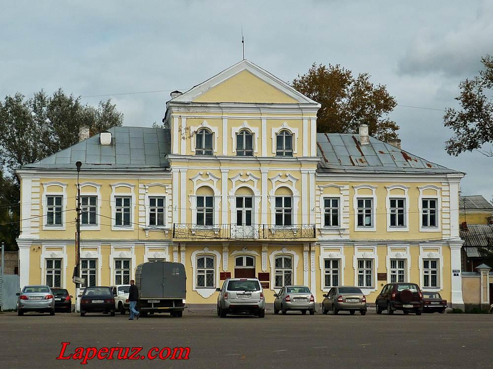 magistrat-ploschad-9-yanvarya-1-v-torzhke