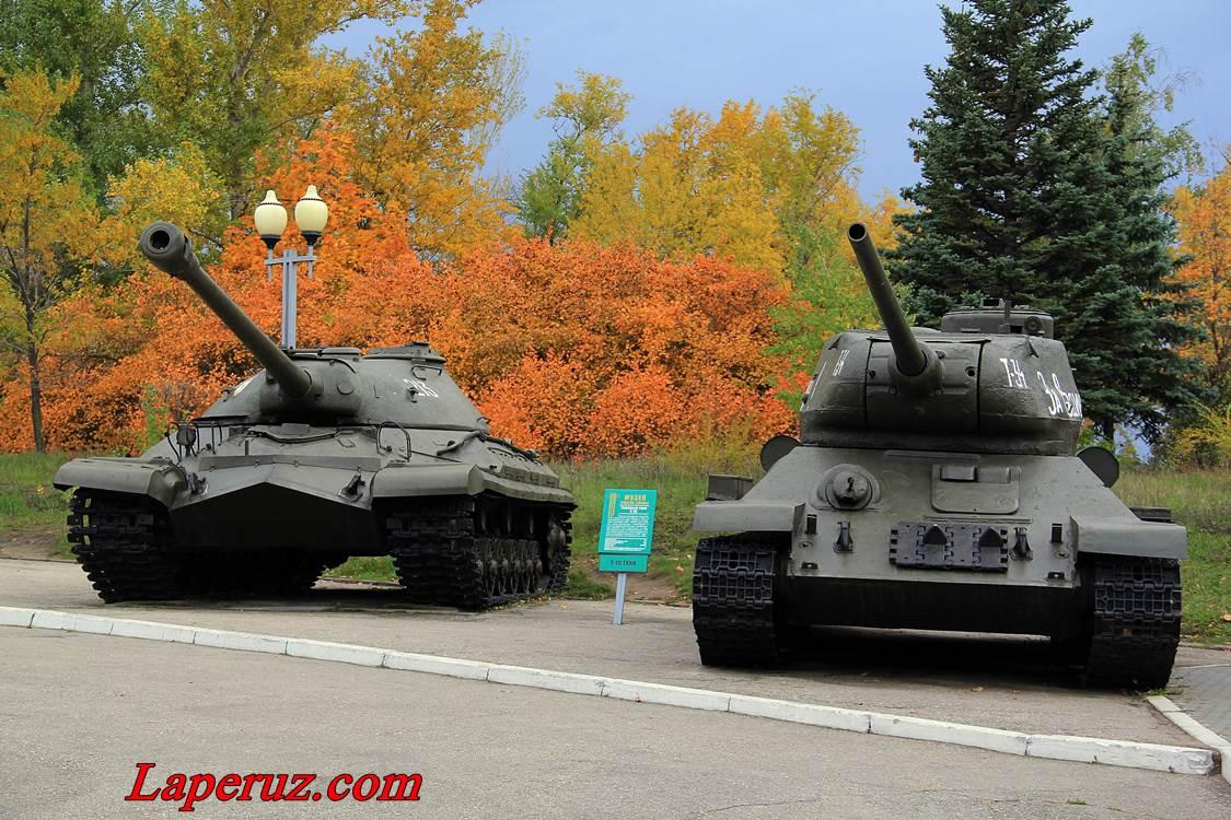 tank_v_parke_pobedy_saratov