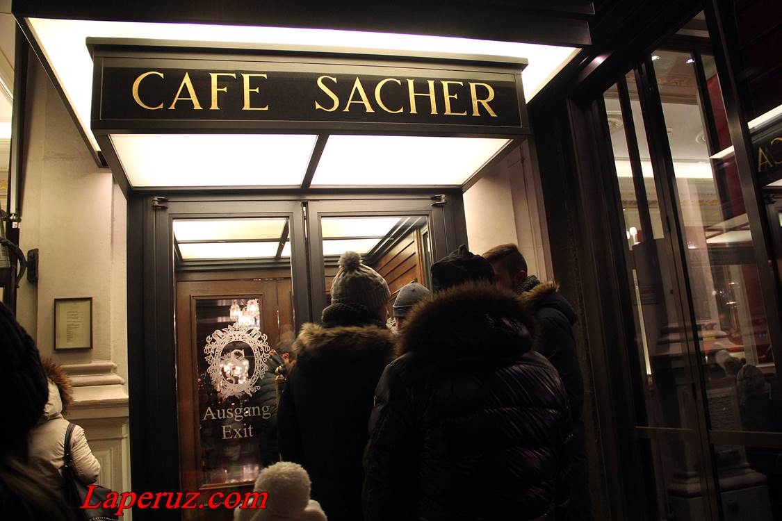 cafe_sacher_v_vene