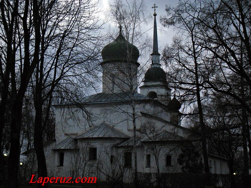 cerkov_anastasii_vo_pskove