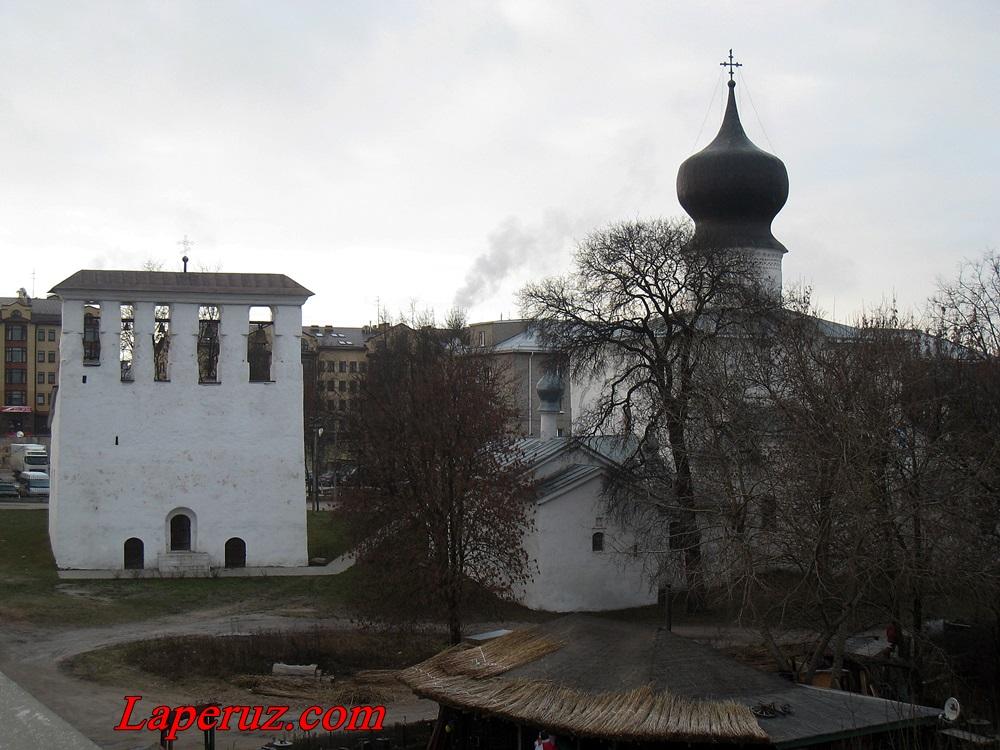 cerkov_uspeniya_s_paroma_vo_pskove