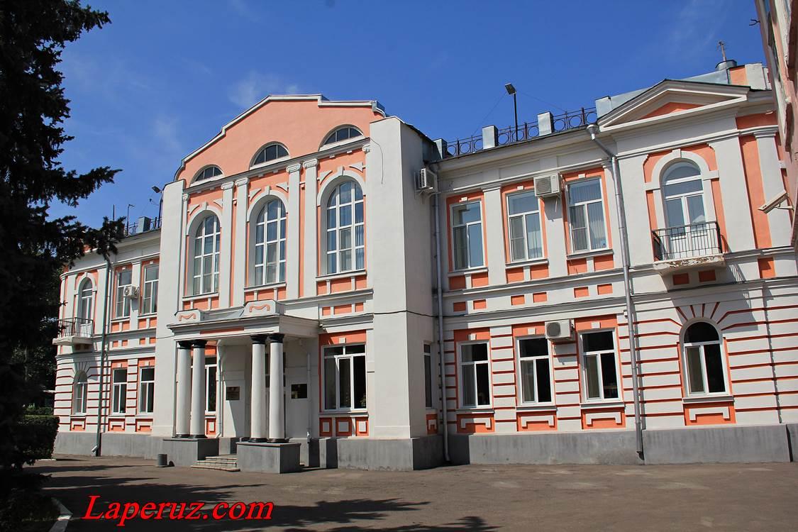 zdanie_raionnoi_administracii_v_balashove