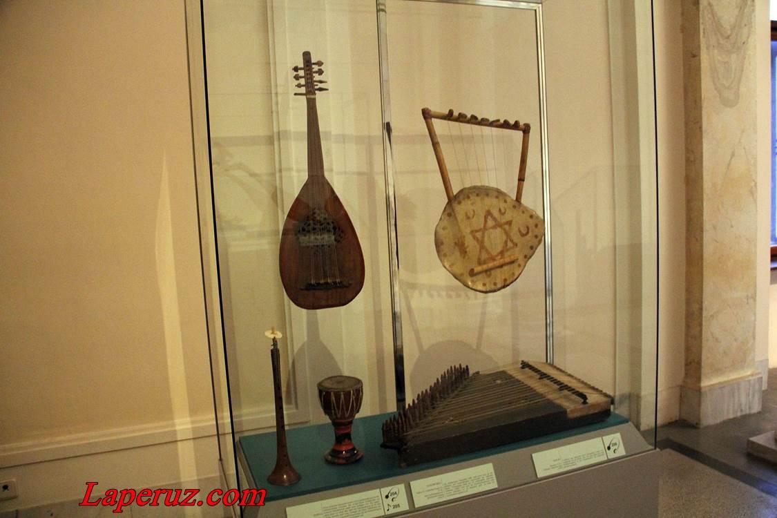 muzei_muzykalnyh_instrumentov_v_vene_1