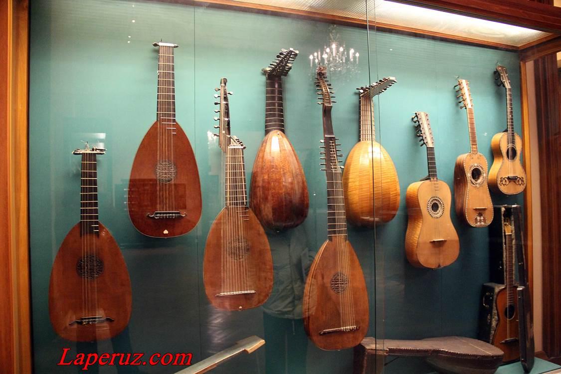 muzei_muzykalnyh_instrumentov_v_vene_3