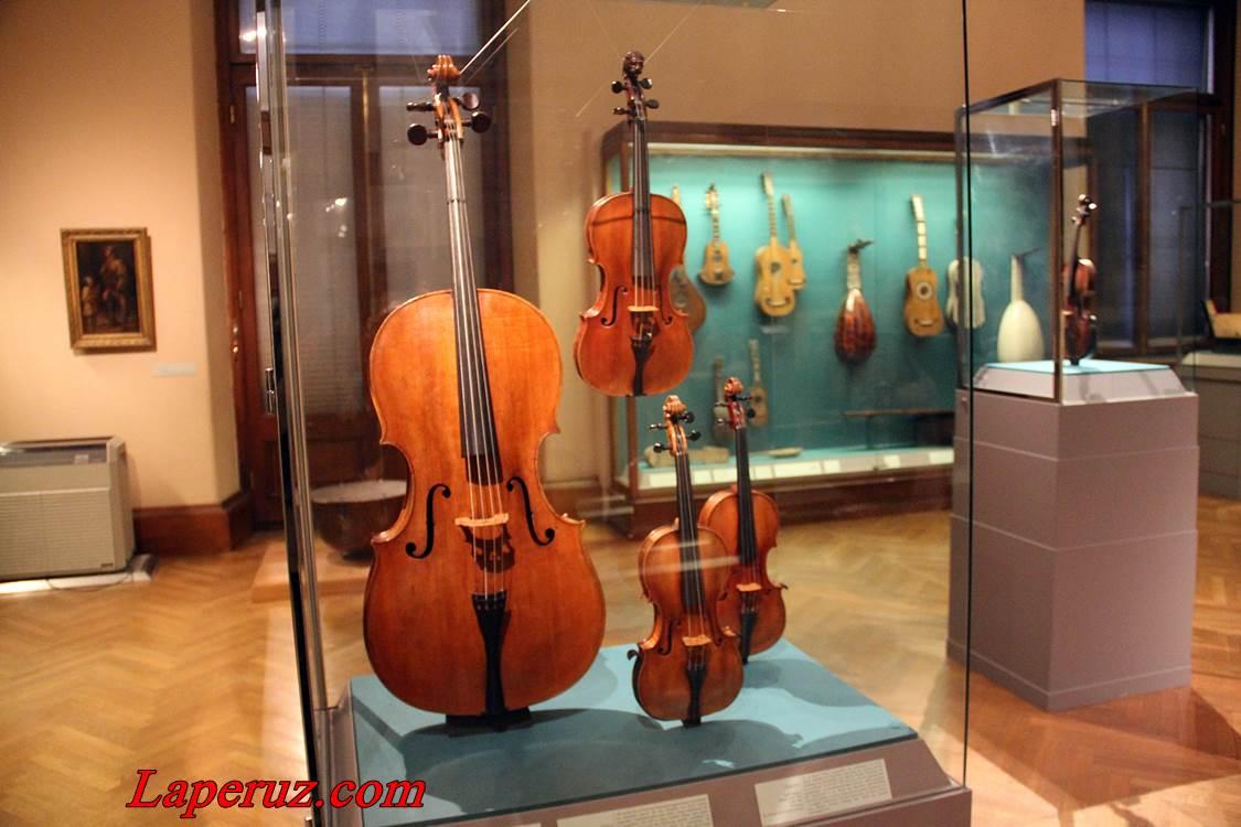 muzei_muzykalnyh_instrumentov_v_vene_4
