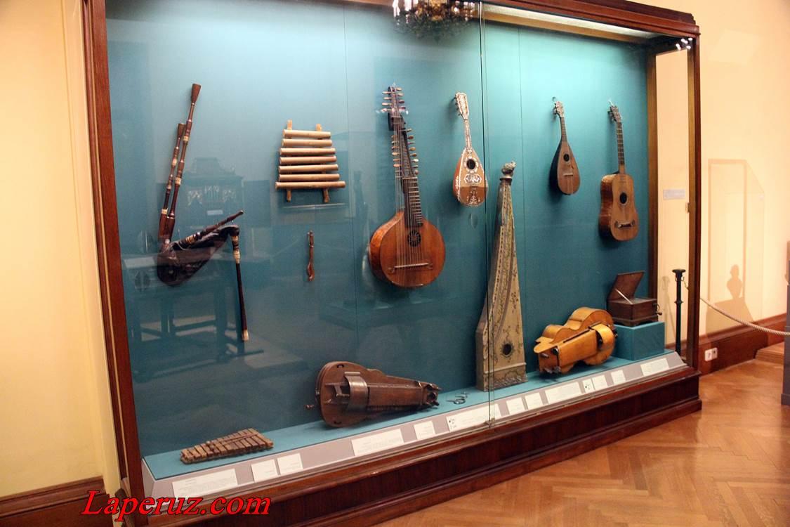 muzei_muzykalnyh_instrumentov_v_vene_11