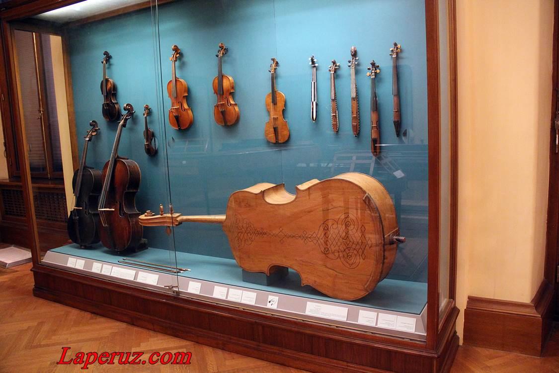 muzei_muzykalnyh_instrumentov_v_vene_12