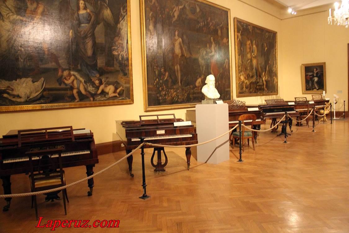 muzei_muzykalnyh_instrumentov_v_vene_14