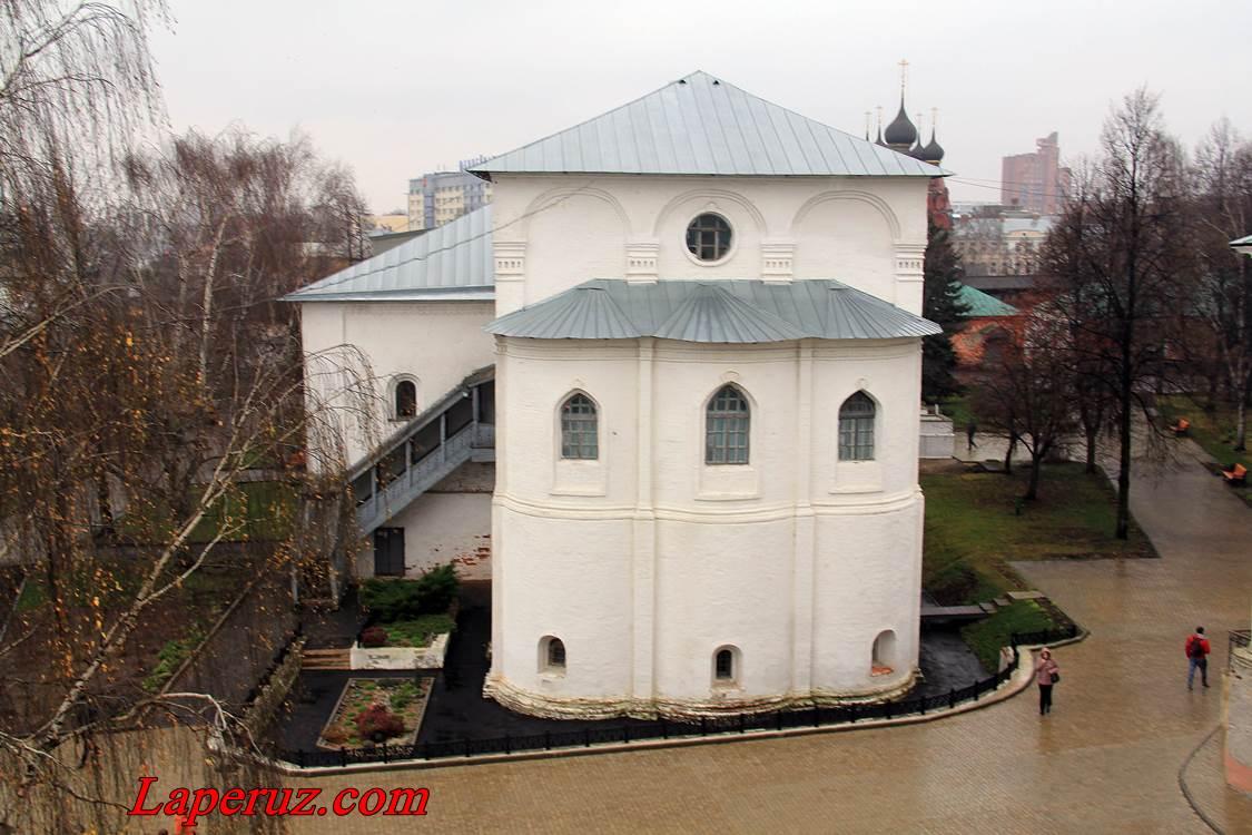 trapeznaya_preobrajenskogo_monastyria_v_yaroslavle