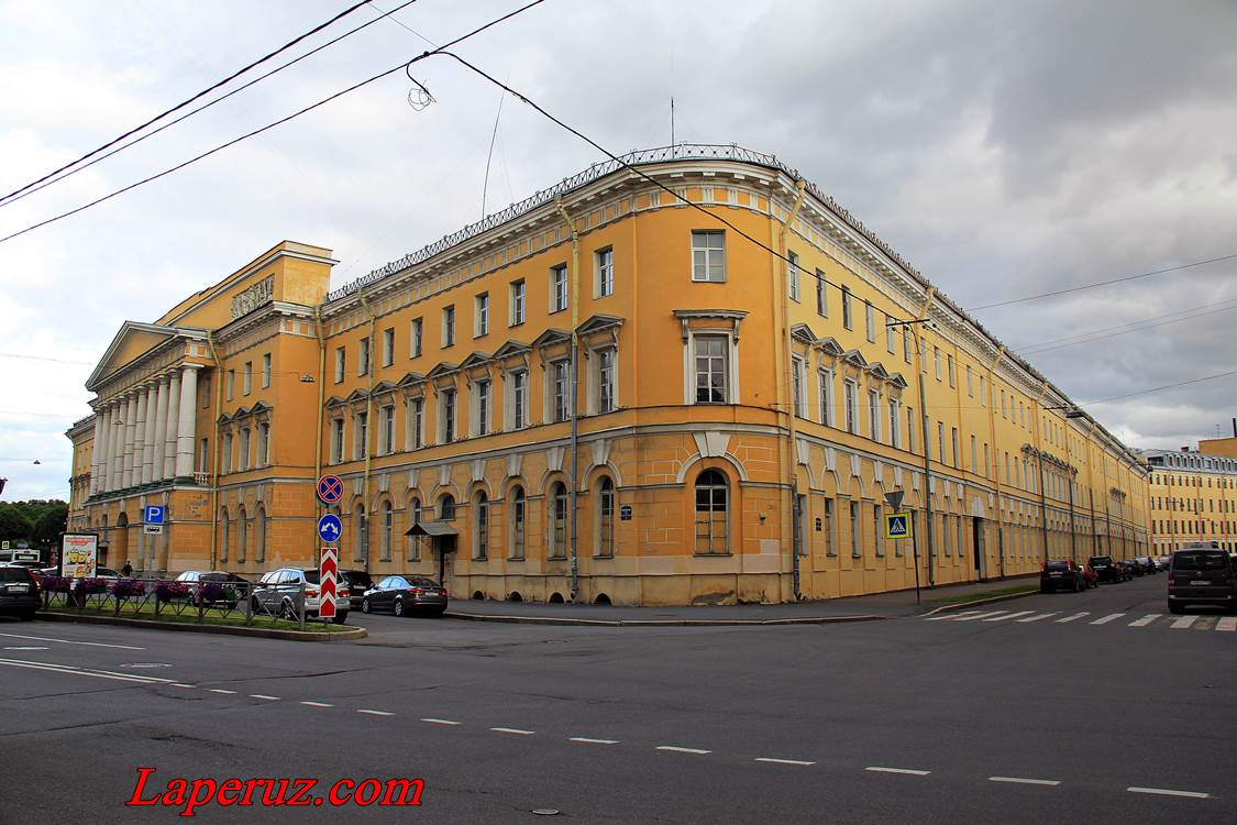 kazarmy_pavlosvkogo_polka_v_spb