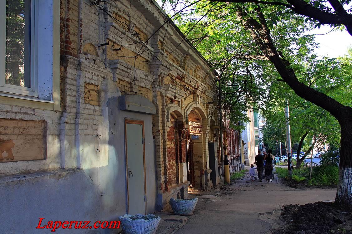 dom_vozle_kinovii_2