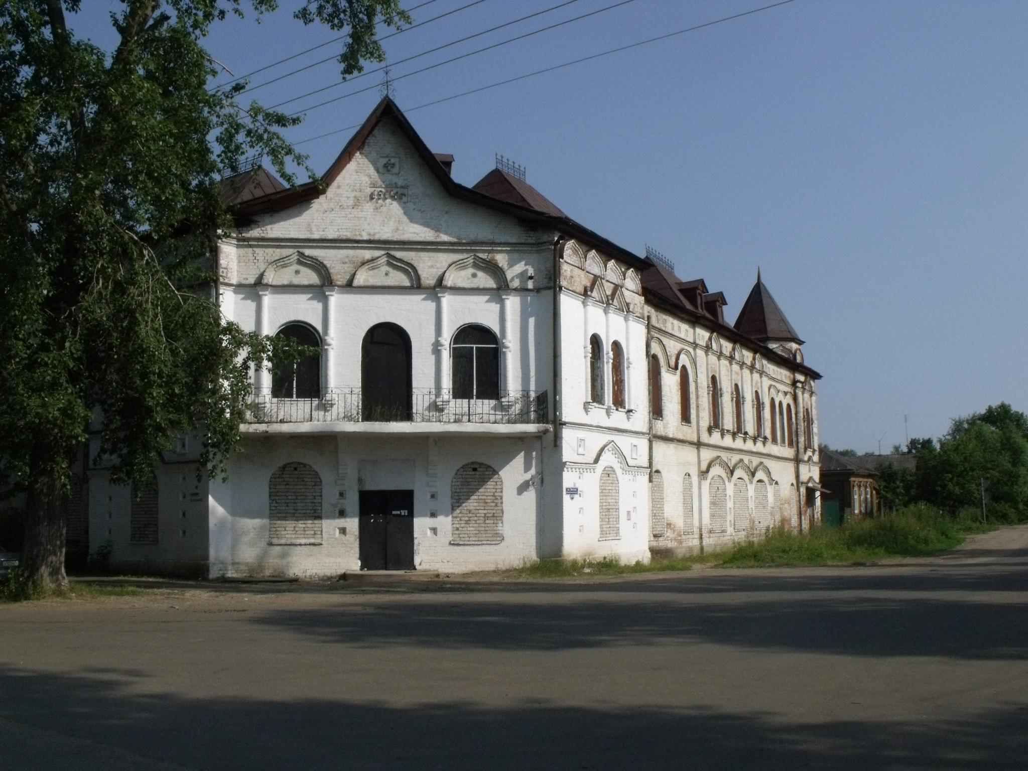 gostinica-yakovlevskogo-monastyrya-rv