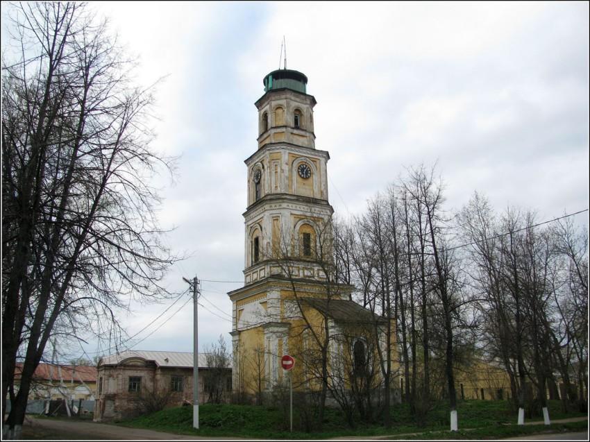 kolokolnya-cerkvi-vozdvizheniya
