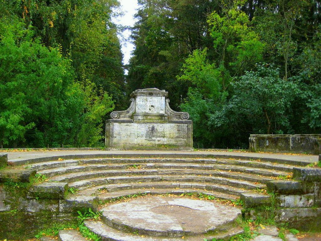 amfiteatr-v-gatchine