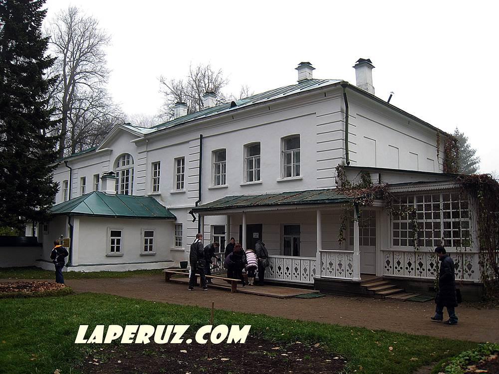 dom_tolstogo_v_yasnoi_polyane