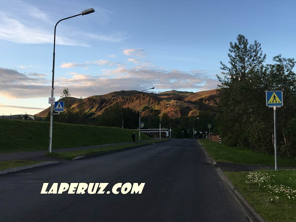 iceland_road_1