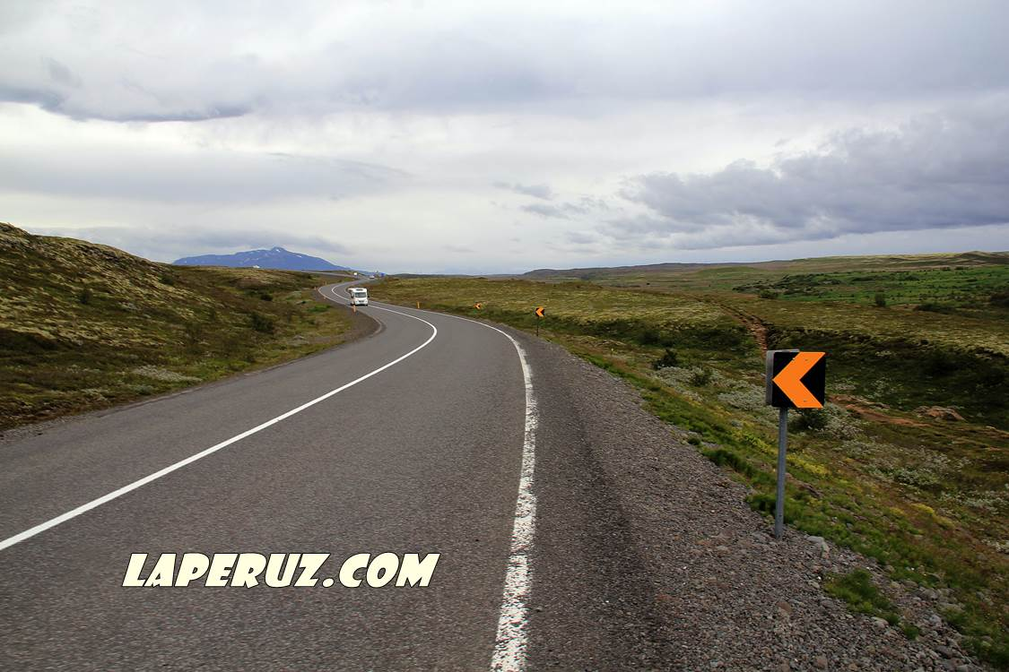 iceland_road_3