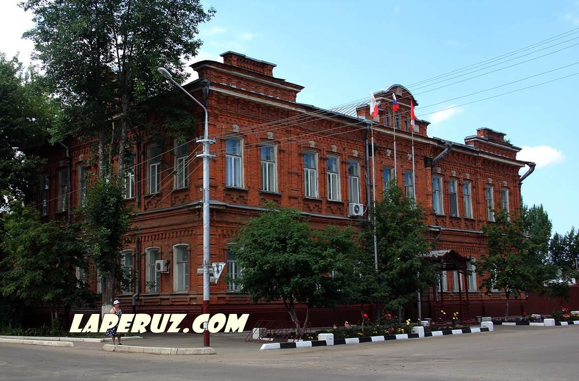 jenskaya_gimnaziya_v_petrovske