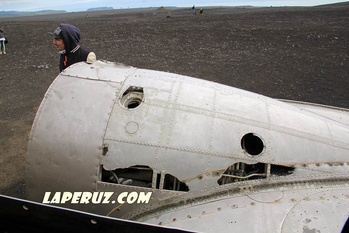 wrecked_dc_plane_3