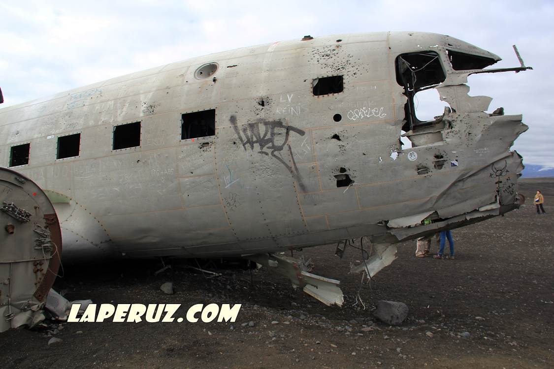 wrecked_dc_plane_6