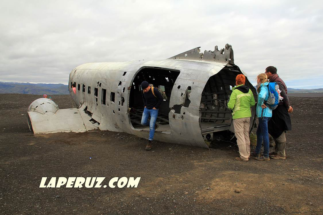 wrecked_dc_plane_8