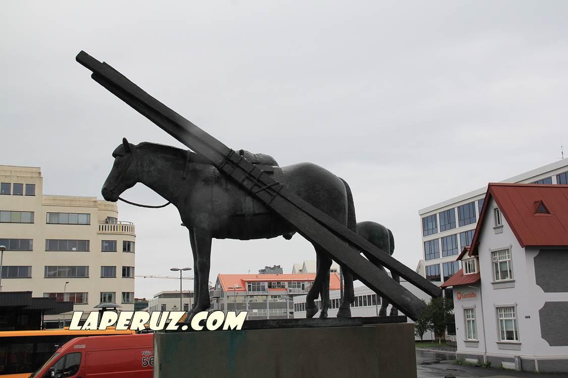horse_hlemmur