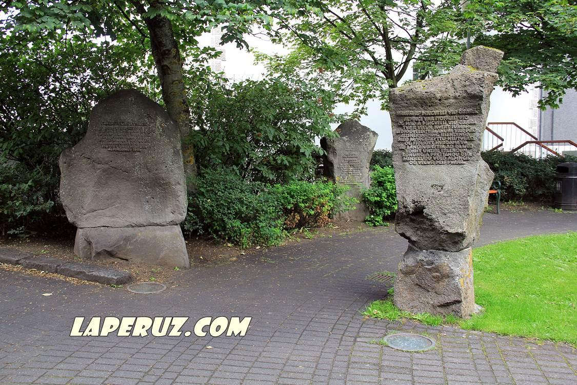 laugavegur_monument_2