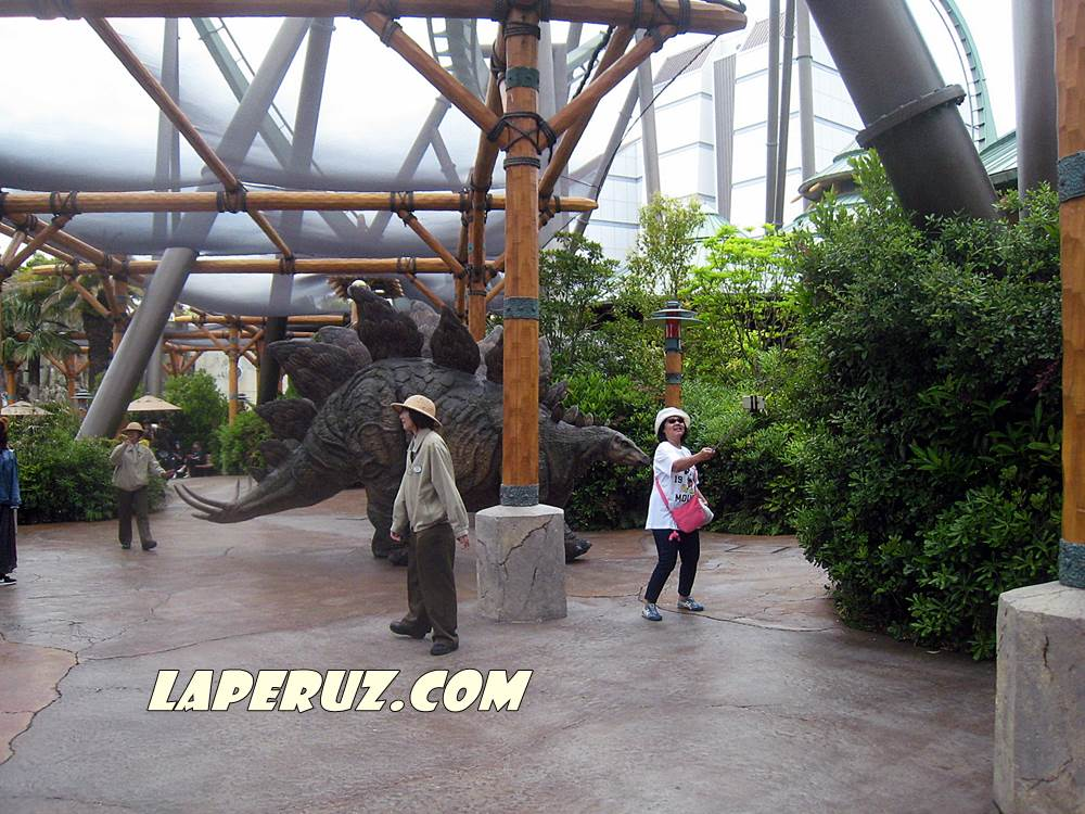 universal_dinozavr_1