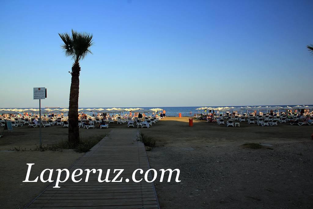 finikudes_beach_2
