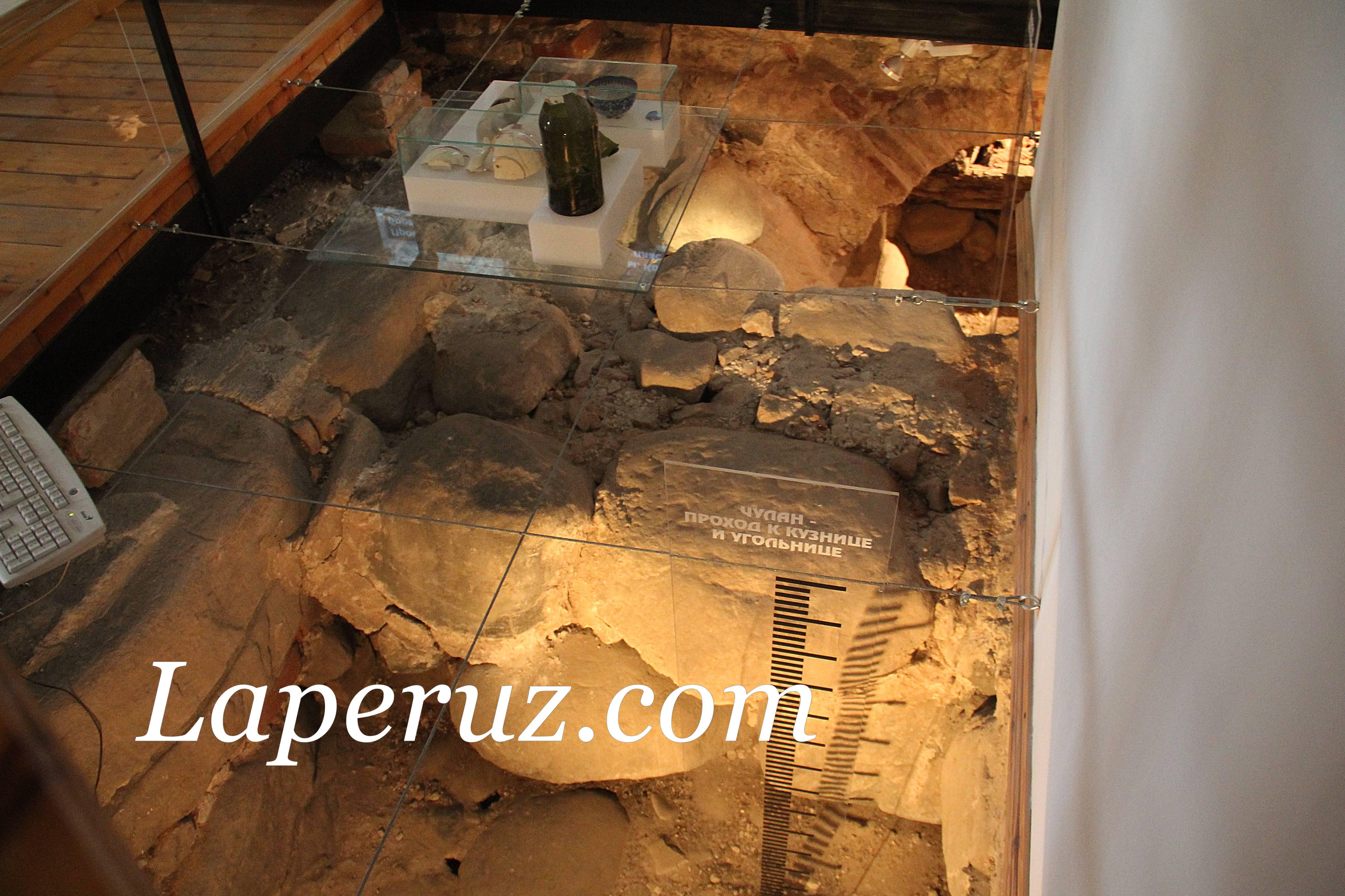 arheologicheskii_muzei_solovki_fundament_4