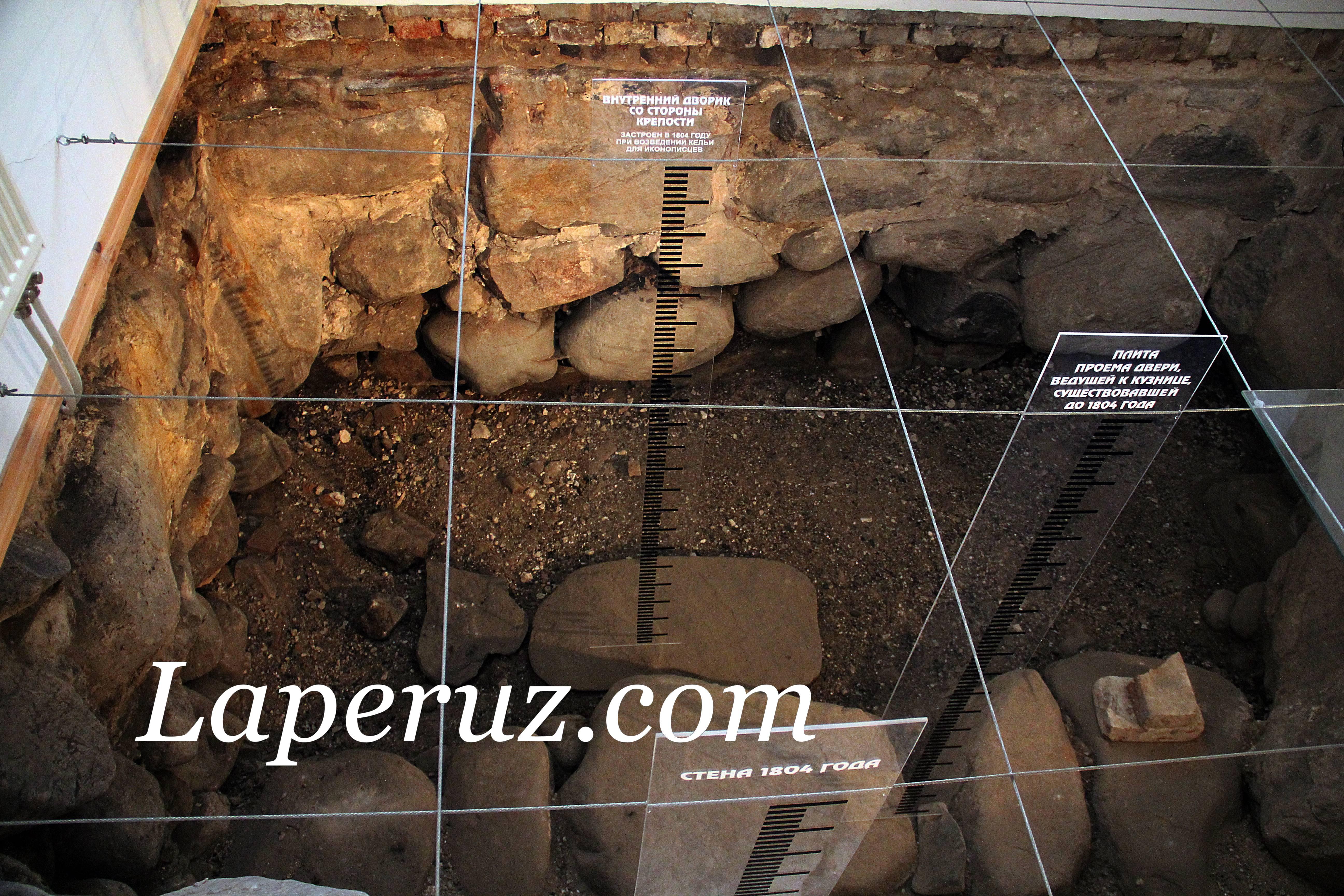 arheologicheskii_muzei_solovki_fundament_6