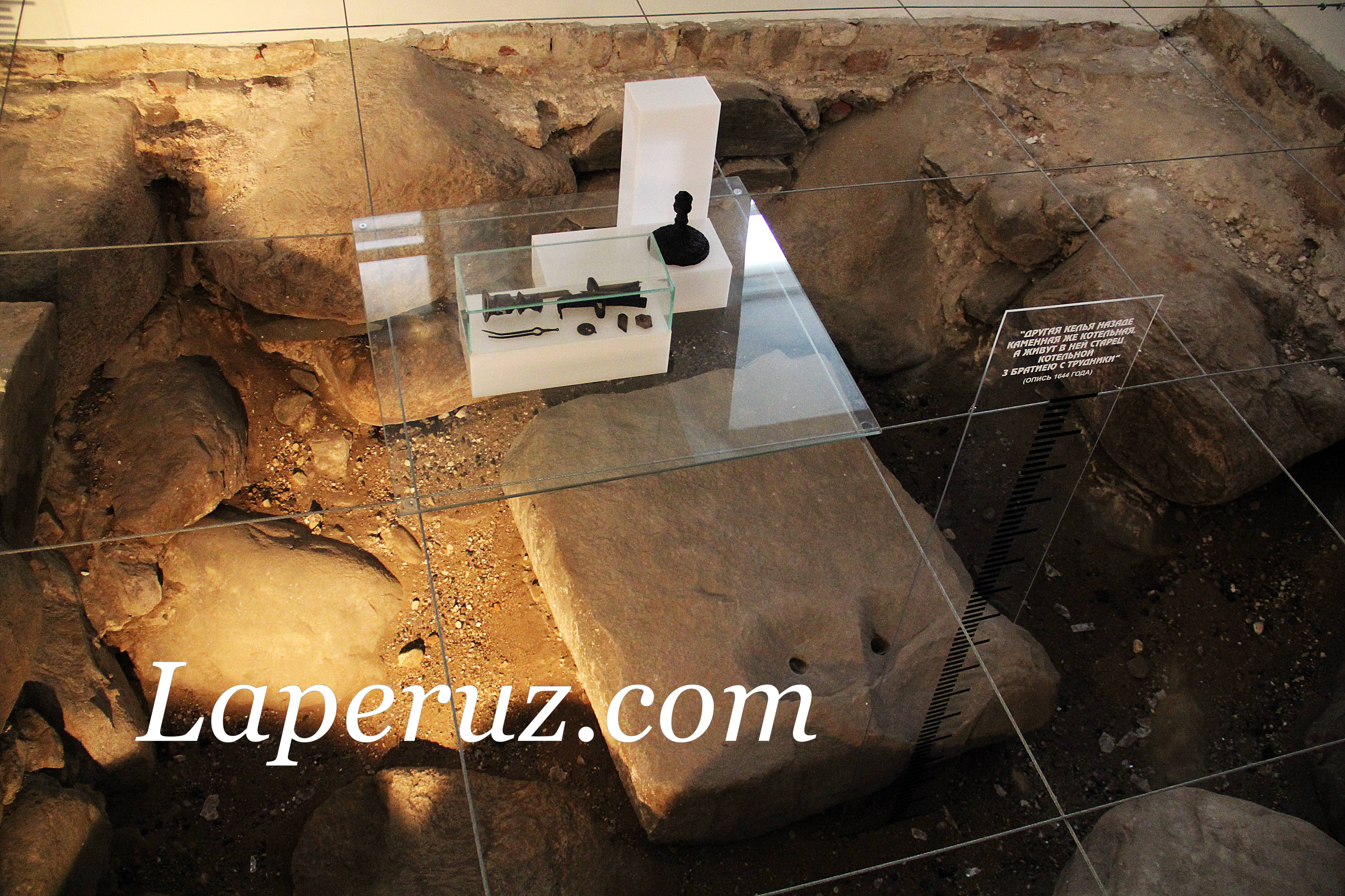 arheologicheskii_muzei_solovki_fundament_8