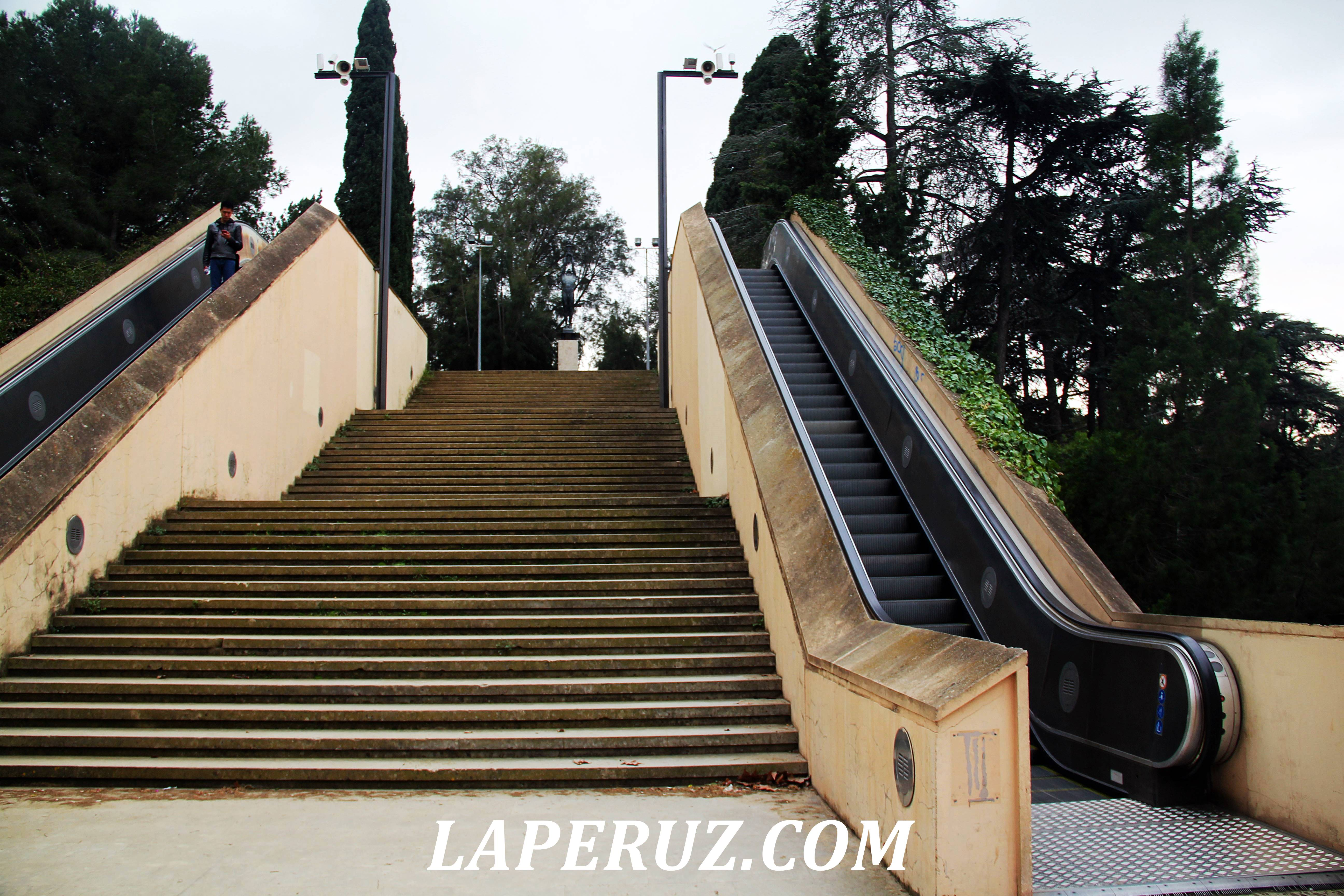 muzei_katalonii_eskalator