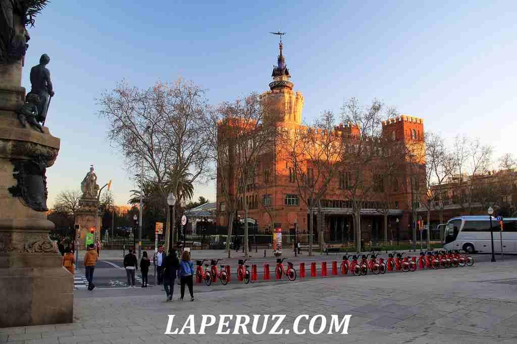 Barcelona_zamok_3_drakonov_3