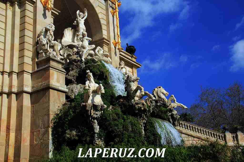 park_citadeli_Barcelona_kaskad_12