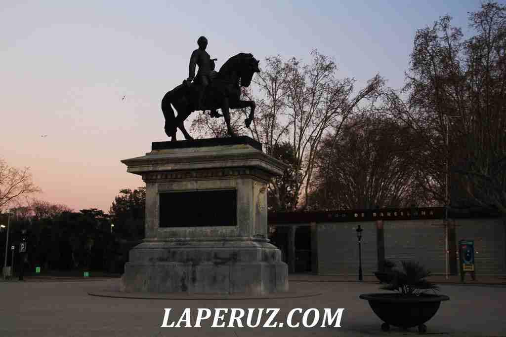 park_citadeli_Barcelona_konnik_1