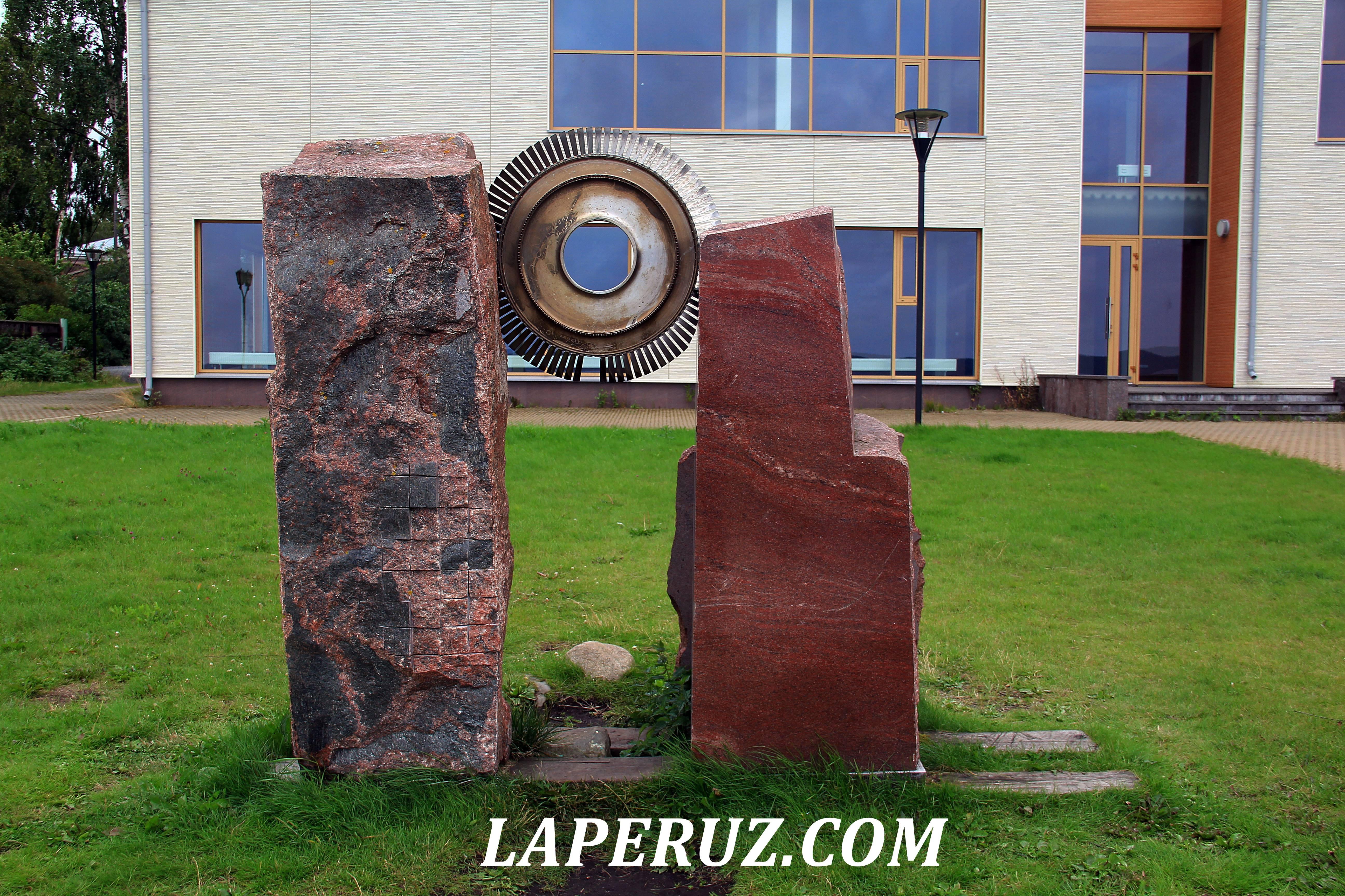 petrozavodsk_naberejnaya_kamennye_skulptury_2