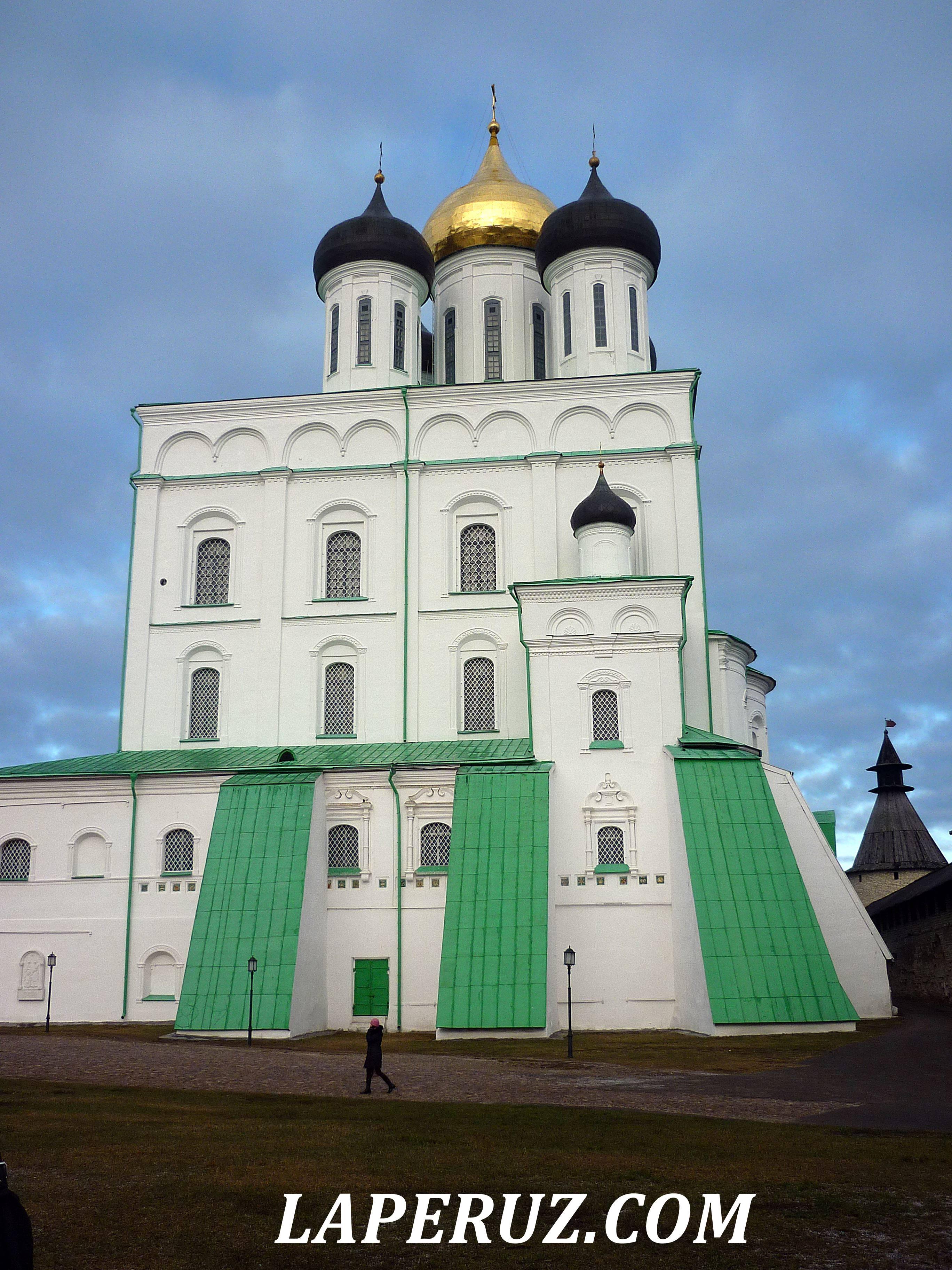pskov_kreml_troickii_sobor_3