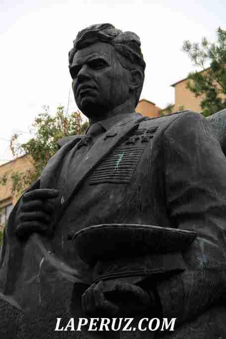 volgograd_pamyatnik_chuikovu_2